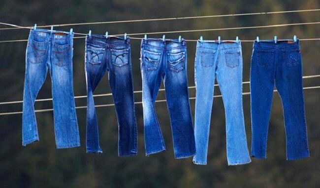 джинсы сушатся