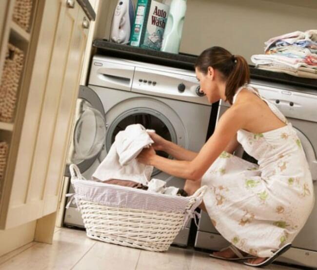 стирать одежду