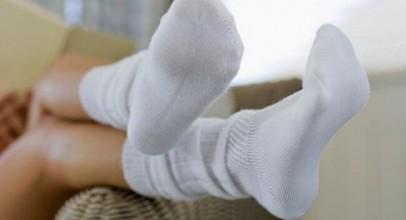 Рекомендации и правила стирки белых носков: возвращаем белизну с помощью простых средств