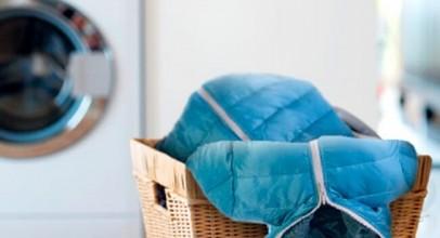 Секреты стирки пуховика в стиральной машине и вручную: как не испортить любимую куртку